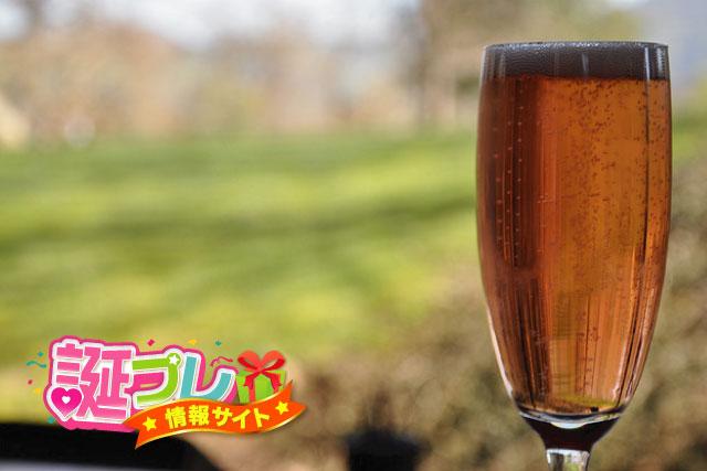 スパークリングワインの泡の画像
